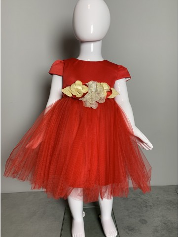 Празнична червена рокличка...