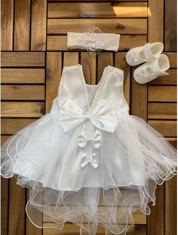 Бяла рокля за новородено