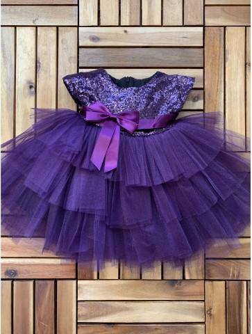Лилава обемна рокля с тюл